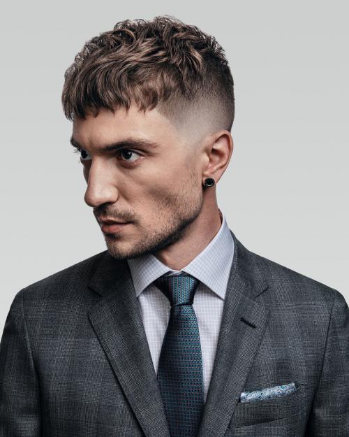 Стрижки на средние кудрявые волосы 2019. Стрижки на волосы средней длины