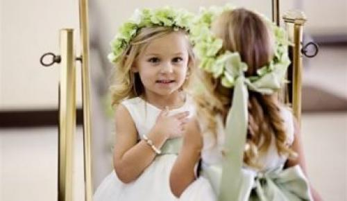 Причёски для подростков девушек на свадьбу.