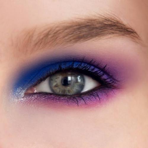 Красивый и легкий макияж в домашних условиях для голубых глаз. Популярные техники макияжа глаз
