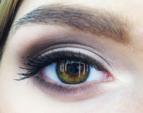 Макияж для серых глаз с нависшим веком. Дневной и вечерний макияж для нависшего века