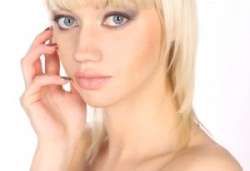 Крем для кожи вокруг глаз до 25 лет. Лучший ухаживающий крем вокруг глаз после 25 лет