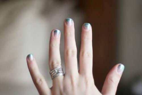 Как сделать градиент на ногтях гель-лаком кисточкой пошагово. Оригинальный градиент на ногтях гель-лаком с блесткамии кисточкой — пошаговые фото, видеоуроки