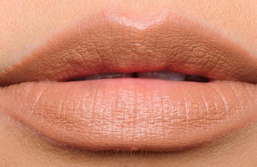 Особенности использование бежевой помады в макияже