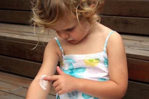 Детский крем я сам можно ли использовать взрослым для лица. Можно ли использовать детский крем для лица взрослого? Есть ли эффект от детского крема для лица