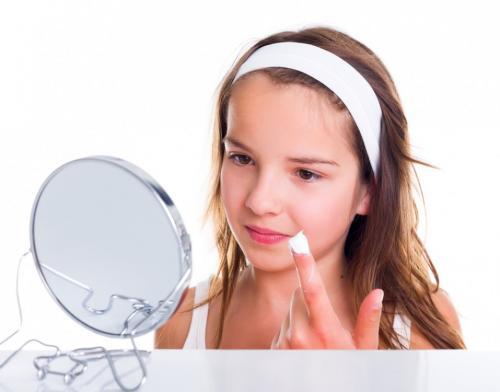 Детский крем для лица подростка. Подбираем крем для лица для подросткового возраста