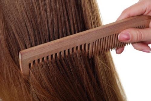 От чего секутся волосы по всей длине. Как ухаживать за секущимися волосами дома?