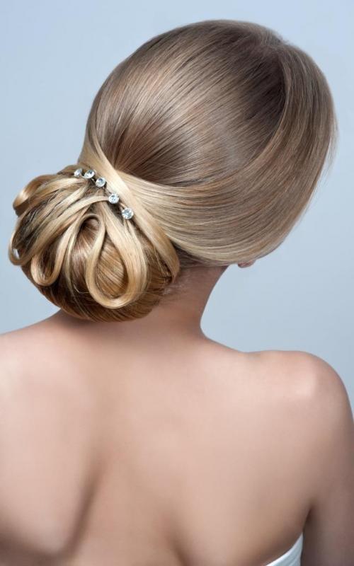 Женственные прически на средние волосы. Деловые прически на средние волосы для женщин