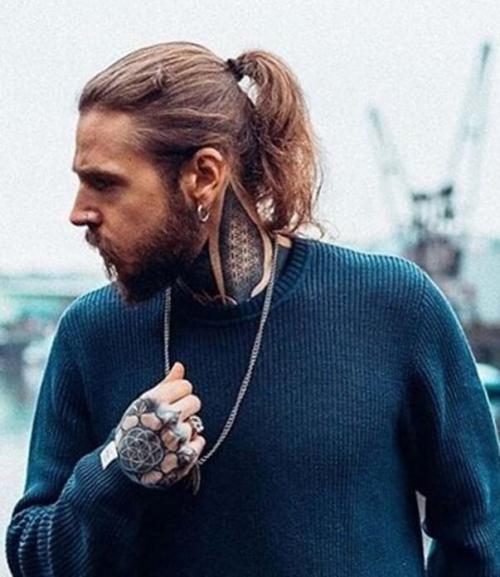Самая модная мужская стрижка. Самые красивые мужские стрижки для длинных волос