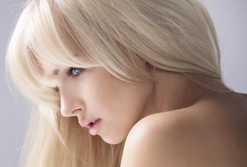 Как осветлить волосы народными средствами в домашних условиях. Почему полезно осветлять волосы народными средствами