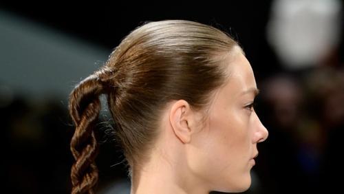 Прически на выступление для девушек. Прически на длинные волосы для девочек, занимающихся восточными танцами
