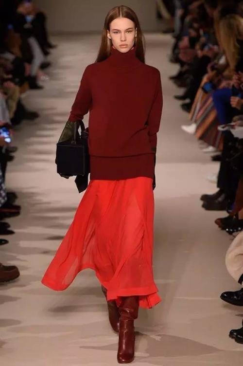 С какой обувью носить юбку карандаш зимой. С чем носить длинные юбки зимой