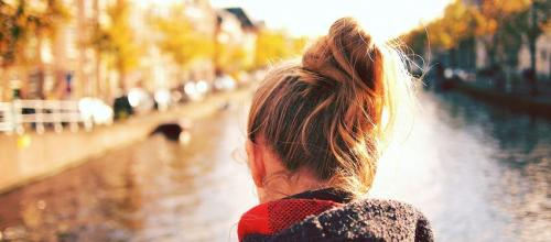 От чего у девушки выпадают волосы. Почемуочень сильно выпадают волосы — основные причины