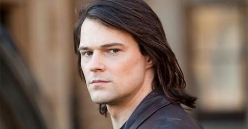Длинные волосы у мужчин прически. Мода на длинные мужские волосы