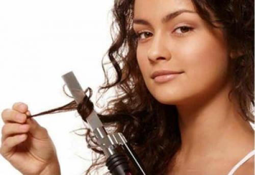 Из за чего могут выпадать волосы у девушек. Из-за чего выпадают волосы на голове у девушек?