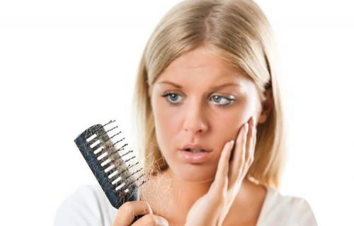 Причины выпадения волос в 20 лет. Причины выпадения волос у женщин