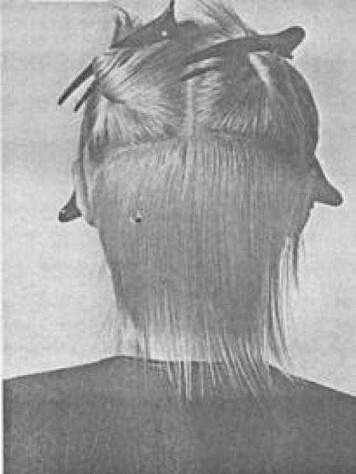 Короткая женская стрижка схема. Схема короткой молодежной женской стрижки с рваной окантовкой 09