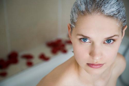 Маска из кефира для обесцвеченных волос. 3 работающих способа осветления волос кефиром: польза и экономия
