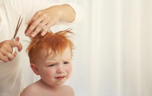 Как подстричь малыша машинкой. Когда стоит начинать стрижку