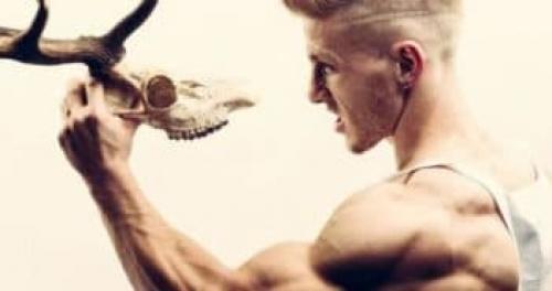 Мужская прическа ирокез короткий. Как делать стрижку Классический ирокез мужчине