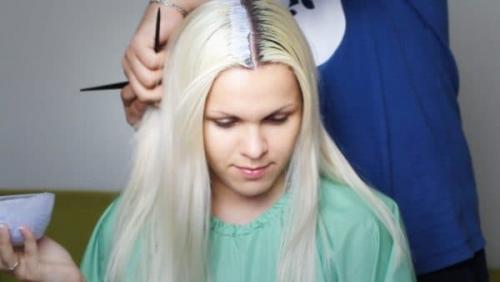 Как покрасить волосы если корни светлее концов. Общие рекомендации по выравниванию цвета дома