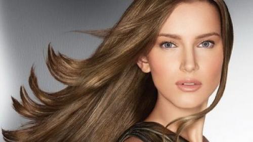 От чего выпадают волосы на голове у девушек, что делать. Что считается нормальной потерей волос?