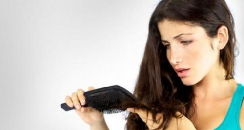 Выпадение волос у девушки 20 лет. Причины выпадения волос у девушек