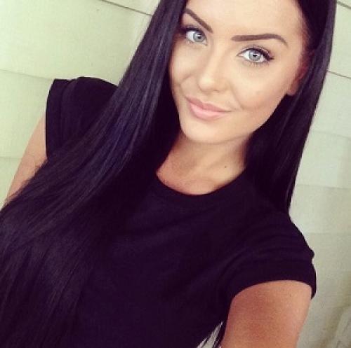 Шоколадный цвет волос и серые глаза. Темные оттенки для серых глаз