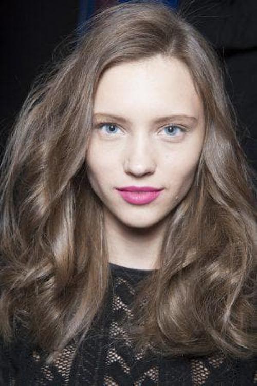 Коричневый цвет волос. Коричневые волосы и темный цвет: как называются оттенки