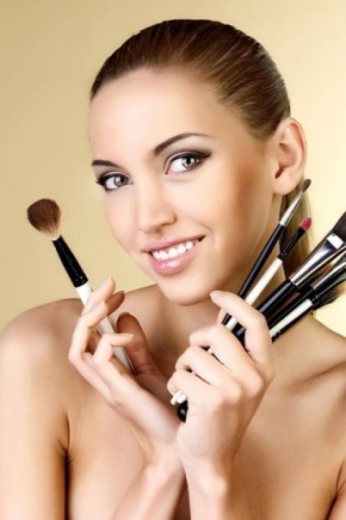 Как самостоятельно сделать макияж. Уроки макияжа для начинающих