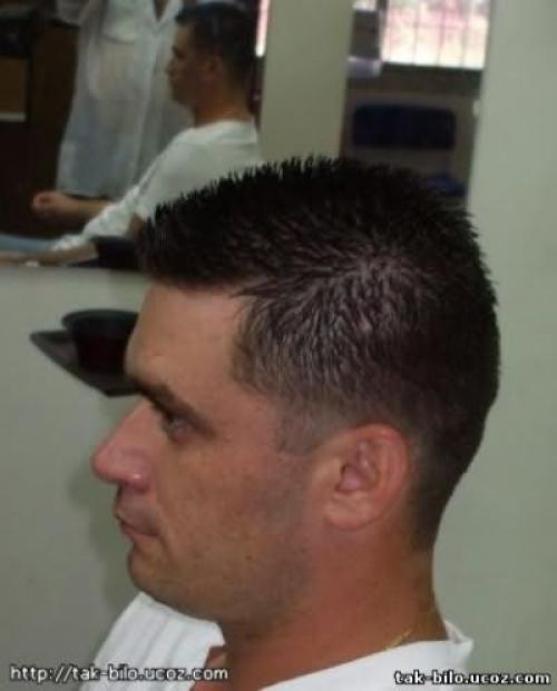 Схема мужской стрижки машинкой с челкой. Как стричь машинкой мужчину: правила и рекомендации от парикмахеров