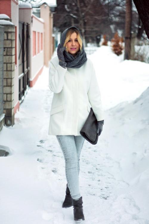 Что надеть со светлыми джинсами. Уместно ли зимой носить светлые джинсы