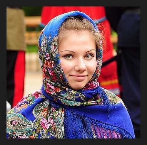 Смысл жизни женщины. Платок или плат - символ женственности и скромности, олицетворение благочестивой жизни женщины.