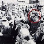 На фото 1941 обнаружен человек из будущего.