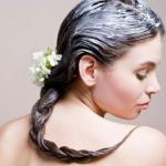 Самодельный питательный бальзам для волос.