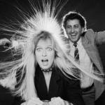 Электризуются волосы - что делать?