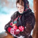 Традиционный образ русской женщины разительно отличается от того, что навязывается нам Западом.